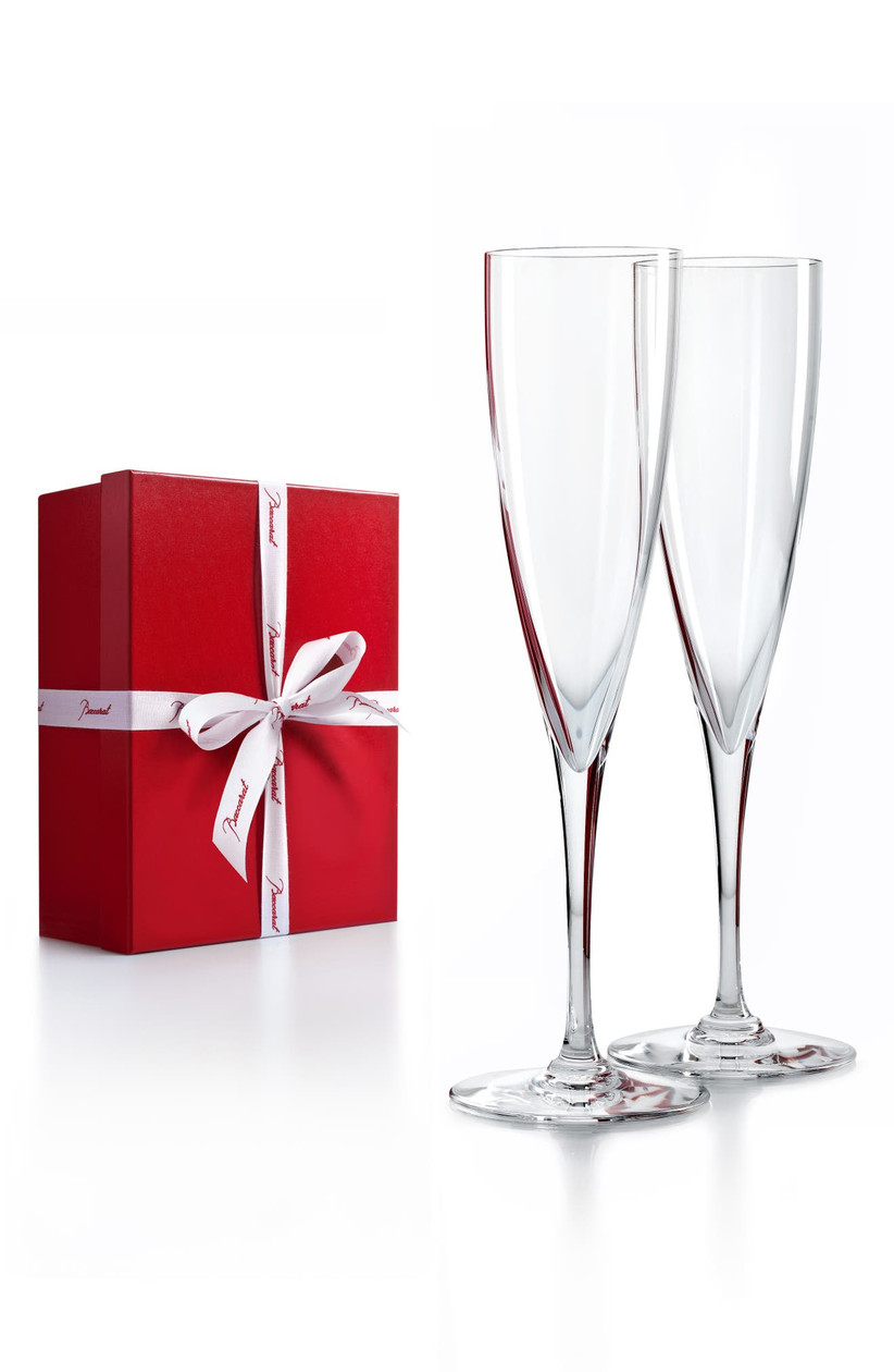 Sleek and simple wedding champagne flutes