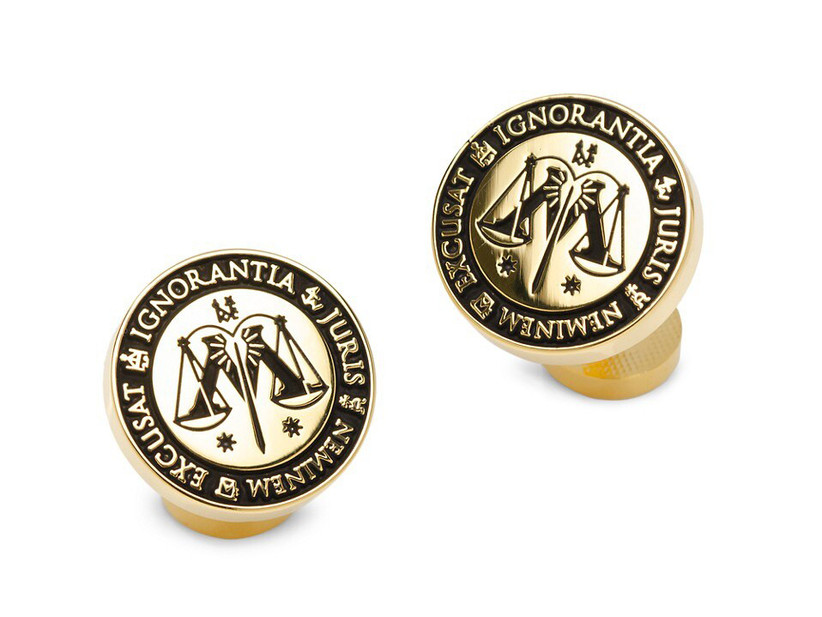 Round yellow gold Harry Potter-themed cuff links
