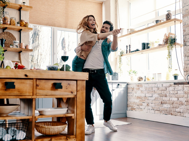 How to Celebrate Relationship Milestones During the Coronavirus Crisis