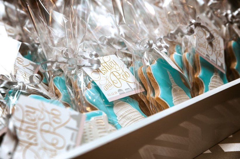 close-up of a box of individually wrapped wedding favor cookies that are decorated with the US Capitol Building