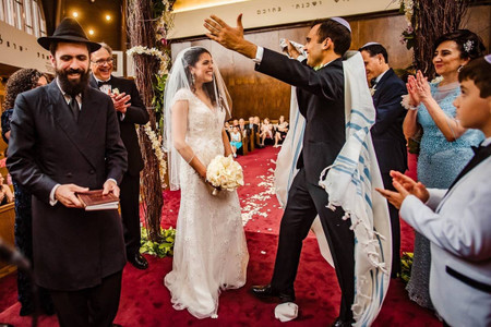Perfect Jewish Wedding Music for Every Ceremony Moment