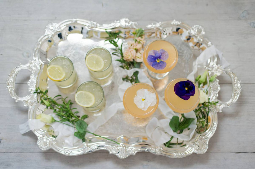 edible flowers drinks