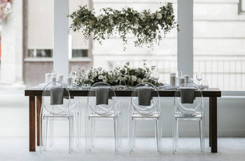 18 Minimalist Wedding Ideas For the Ultimate Simple & Chic Day