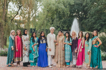 What to Wear to an Indian Wedding As a Guest