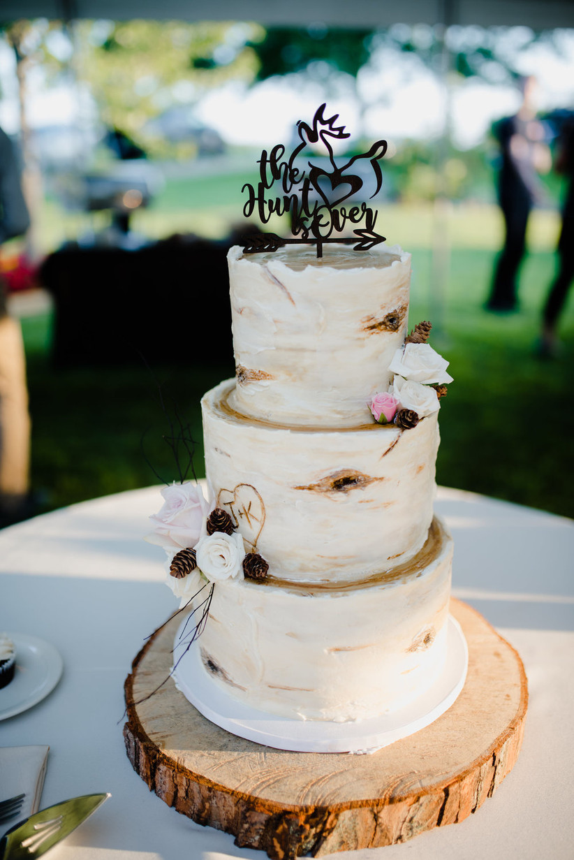 10 Country Wedding Cakes to Complete Your Rustic Theme - WeddingWire