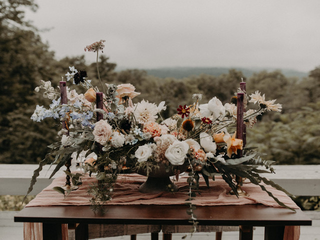 The 8 Steps to Choosing Your Wedding Flowers