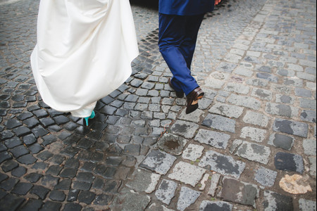 Having Doubts Before Your Wedding? Here's What's Normal.