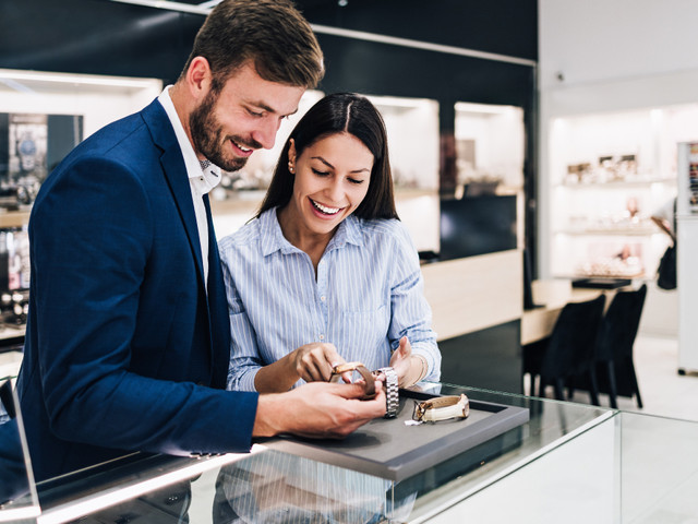 How to Find the Perfect Engagement Watch for Your (Almost) Fiancé