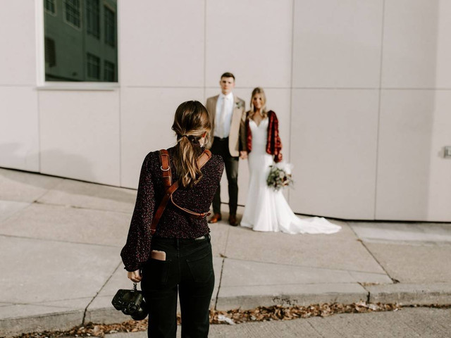 76 Wedding Photos to Include on Your Checklist