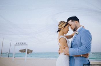 9 Latin American Wedding Traditions Couples Need to Know