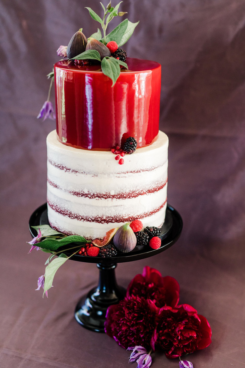 19 Two Tier Cakes To Inspire Your Wedding Dessert Table Weddingwire