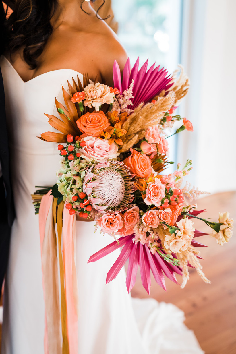 The 2021 Wedding Flower Trends Beyond The Bouquet Weddingwire