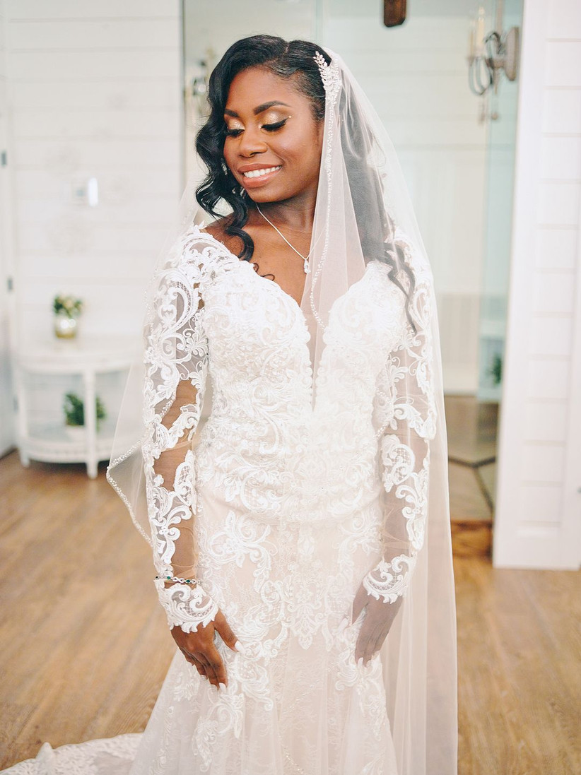 20 Wedding Hairstyles With Veils For Every Kind Of Bride Weddingwire