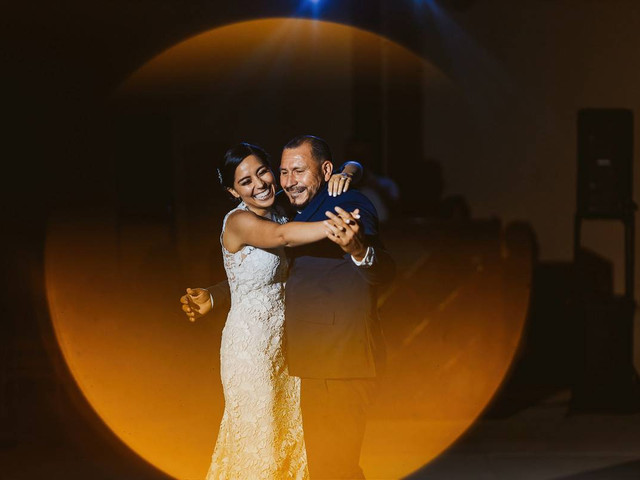 12 Best Spanish Father-Daughter Dance Songs to Dance to at Your Wedding