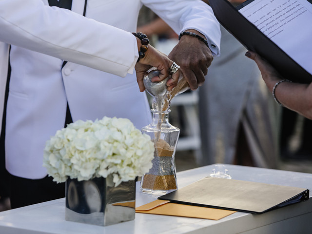 17 Popular Wedding Unity Ceremony Ideas and What They Symbolize