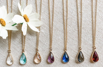 Everything You Need to Know About Buying Bridesmaid Jewelry