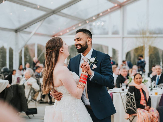 How to Choose a Non-Cliché, Totally Unique First Dance Song