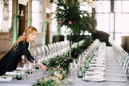 The 7 Different Types of Wedding Planners and What They Do