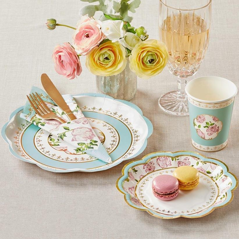 Vintage garden-themed paper dinnerware