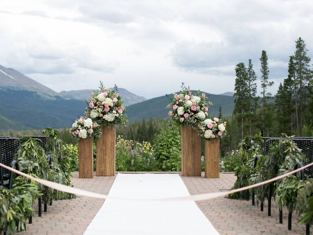 8 Breckenridge Wedding Venues for Rustic Colorado Couples