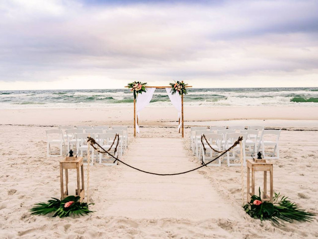 How to Have a Beach Wedding