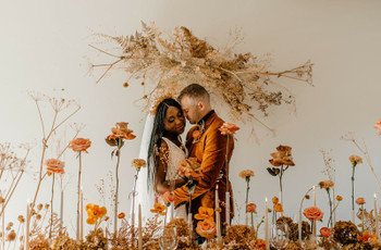 The 8 Best Fall Wedding Flowers for the Season, According to Experts