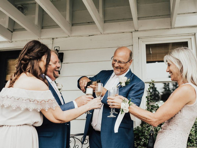 How to Ask Your Parents to Help Pay for Your Wedding—in 6 Steps!