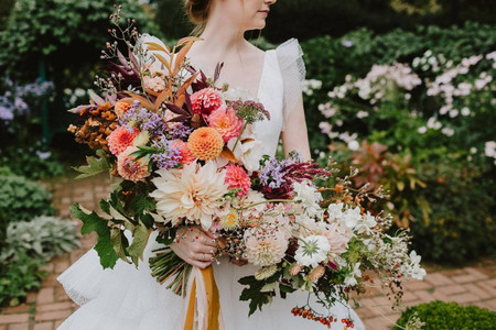 38 Fall Wedding Bouquets That Epitomize Autumn Style