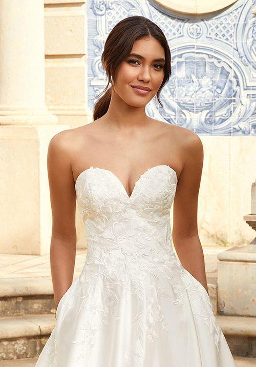 44235, Sincerity Bridal