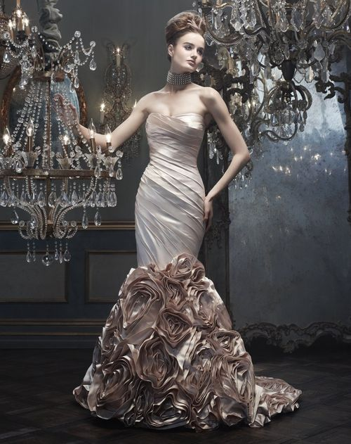 B074, Amaré Couture