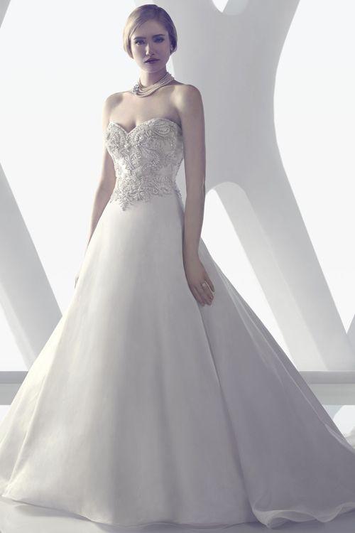 B077, Amaré Couture