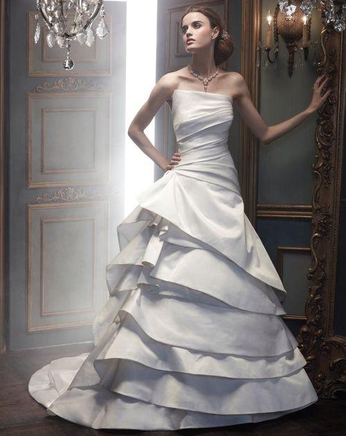 B068, Amaré Couture