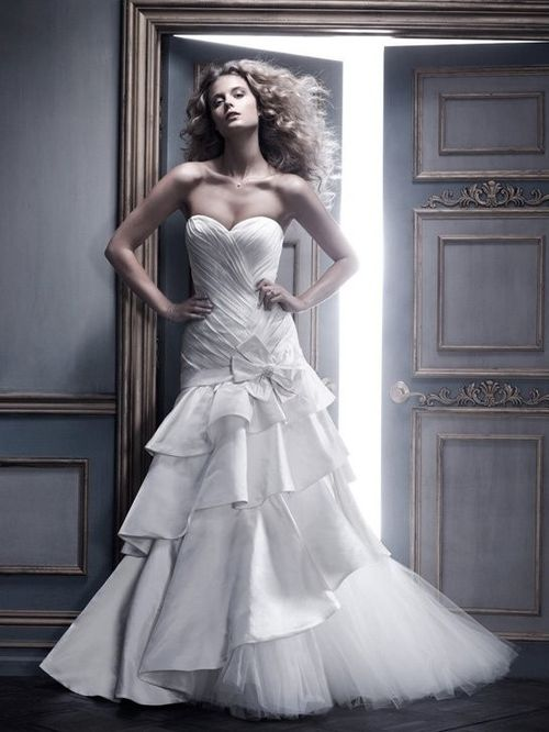 B062, Amaré Couture