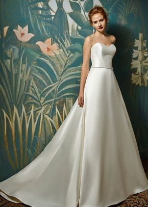 the picture of timeless sophistication, Blue by Enzoani