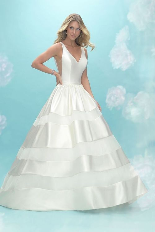 9462, Allure Bridals