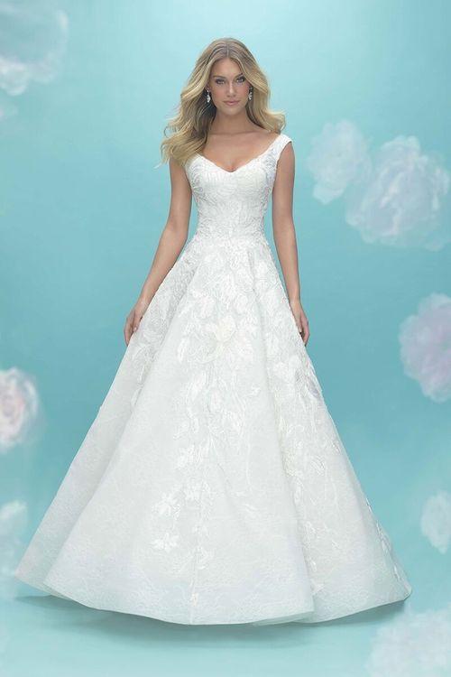9475, Allure Bridals