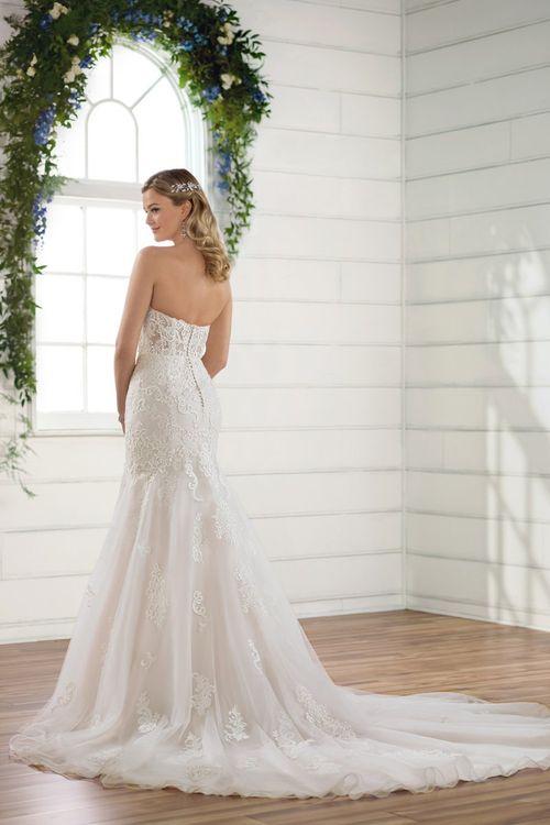 D2423 Flared cut / Fit-n-Flare Wedding Dress by Essense of ...