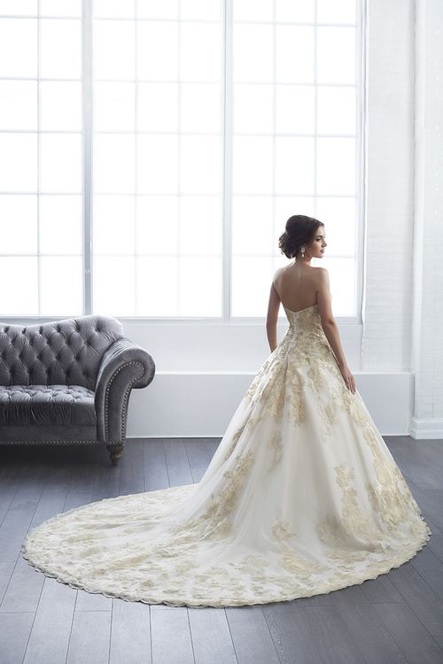 15661, Christina Wu Brides