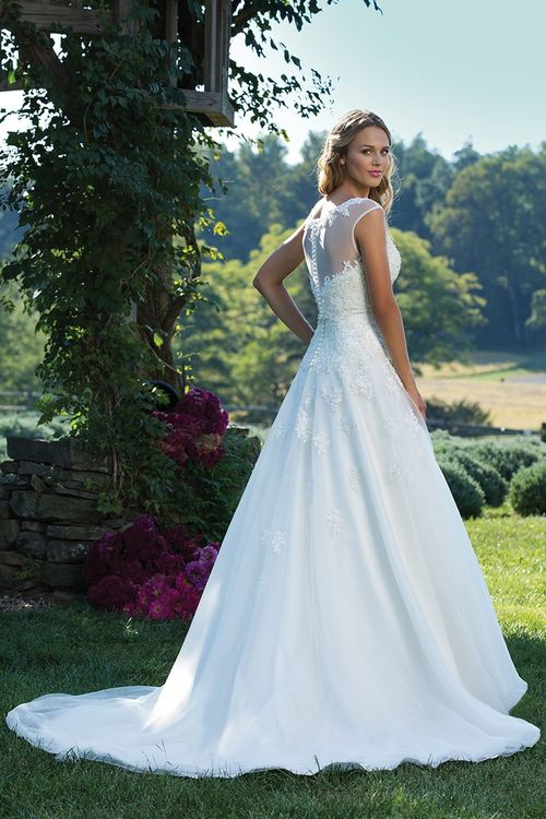 3771, Sincerity Bridal