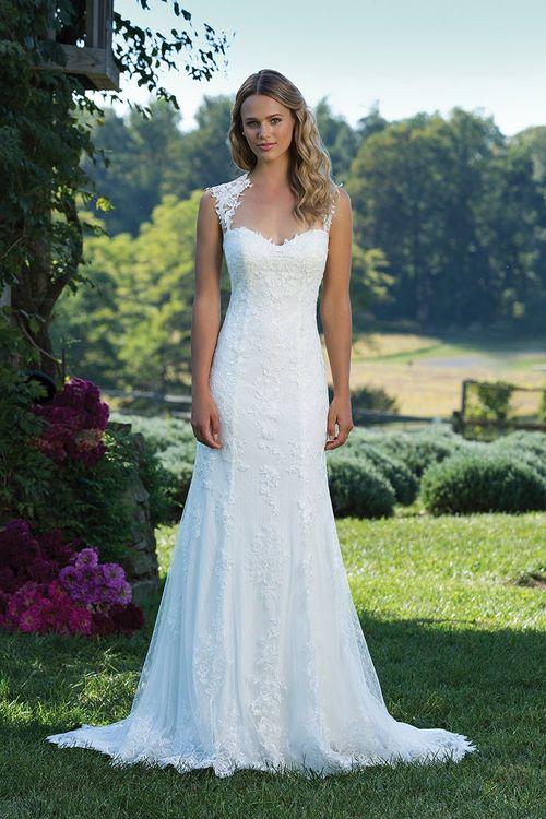 3885, Sincerity Bridal