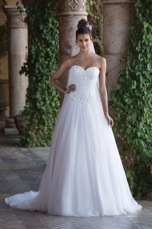 4034, Sincerity Bridal