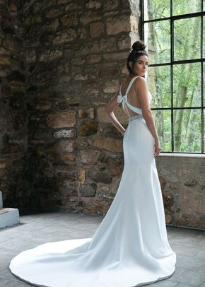 44043, Sincerity Bridal