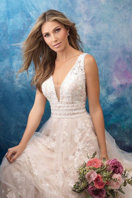 9561, Allure Bridals