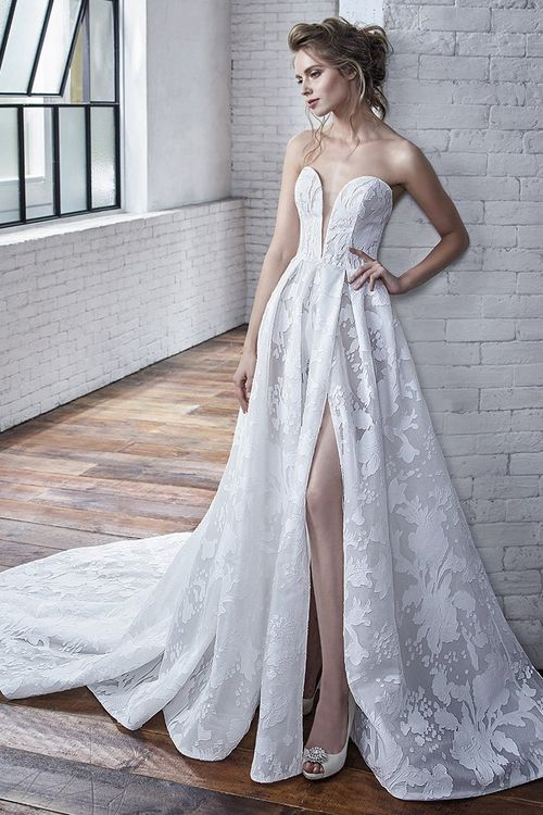 Carina, Badgley Mischka Bride