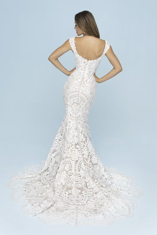 9609, Allure Bridals