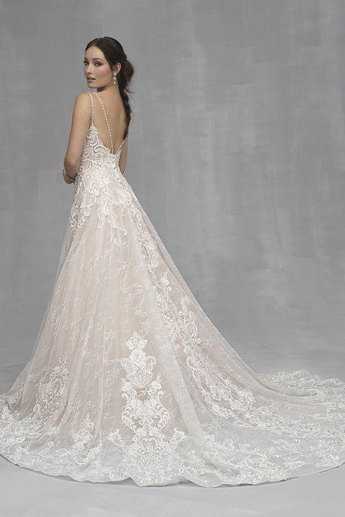 C524, Allure Couture