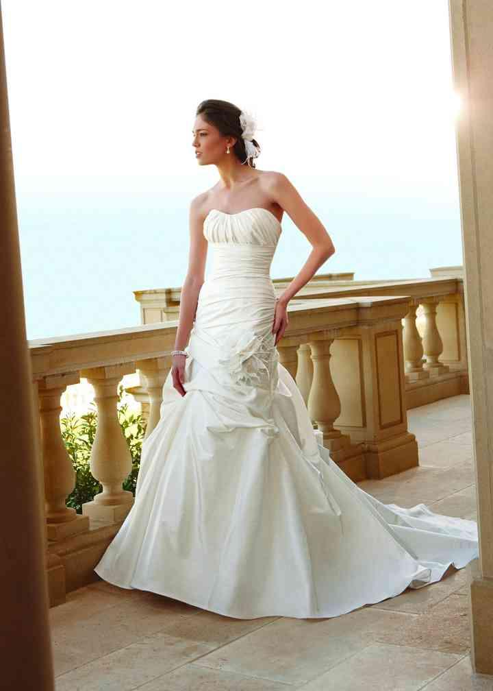 2045, Casablanca Bridal