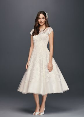 David's Bridal CMK513, David's Bridal