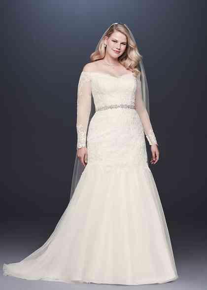David's Bridal Style 9WG3943, David's Bridal