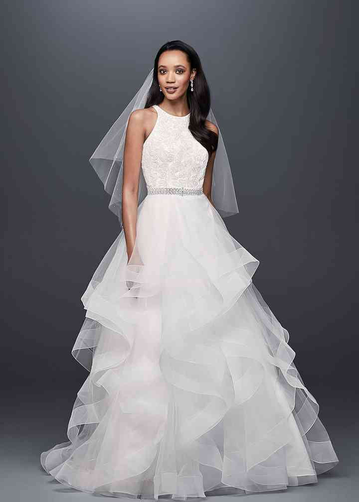 David's Bridal Style V3901, David's Bridal